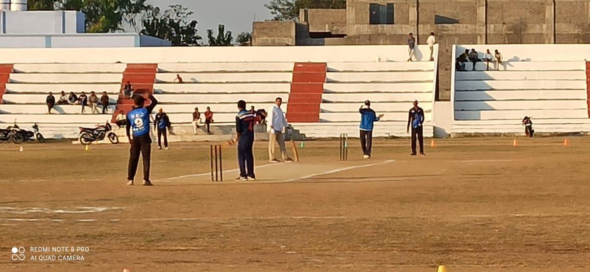 कलेक्टोरेट स्पोटर्स के 5 दिवसीय क्रिकेट टुनामेंट में रोजाना हो रहे रोमांचक मुकाबले
