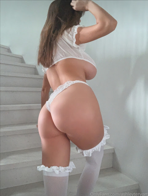 sexy babe nice big ass in white thong and pantyhose
