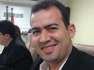 Projeto de Elias institui o Dia Municipal do Escritor Guarabirense