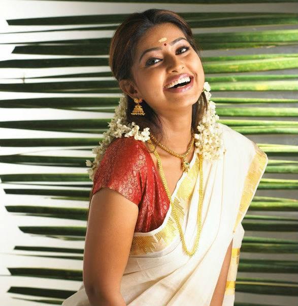 Sneha In Kerala Set Saree Photos  Actress Sneha In