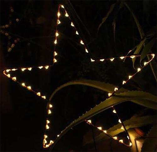 Etoile de Noël solaire LED