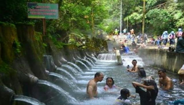 Taman Wisata Air Panas Guci Tegal Jawa Tengah Taman Wisata Air Panas Guci Tegal Jawa Tengah