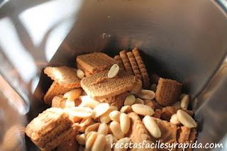 Bizcocho de galleta caramelizada y cachuete