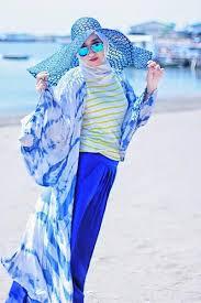 Model Baju Muslim Pantai Wanita Terbaru