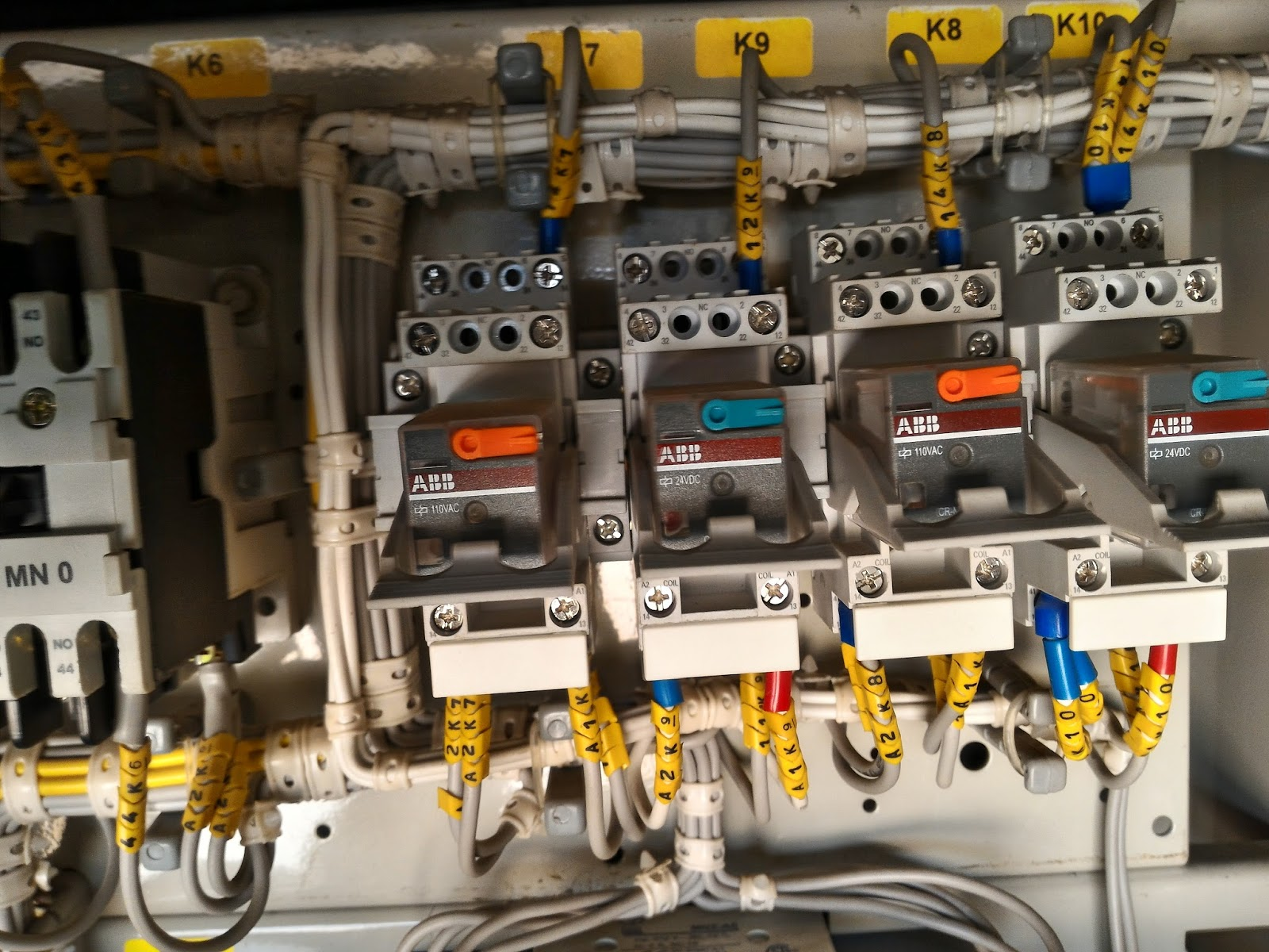 Lt Motor Feeders And Incomer Electrical Blog Distribution Box Panels Panel Buy Circuit Breaker The Most Common Use Of Lv Switchgear Is In Board This System Has Following Parts