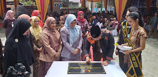 Walikota Jambi Secara Resmi Membuka Grand Opening Rumah Batik Berkah