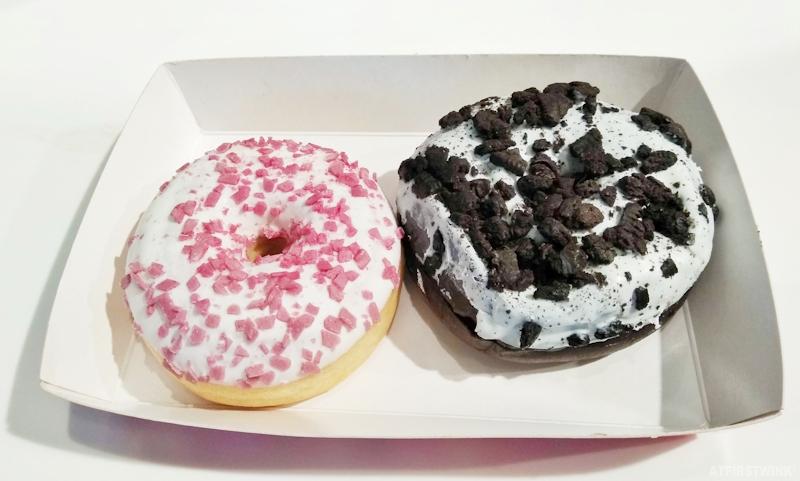 Smöoy frozen yogurt markthal rotterdam döomy donut simpsons oreo
