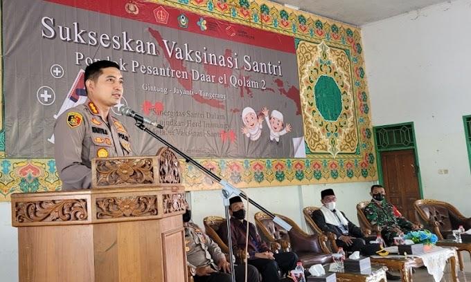 Kapolresta Tangerang Tinjau Kegiatan Vaksinasi di Ponpes Daar el-Qolam