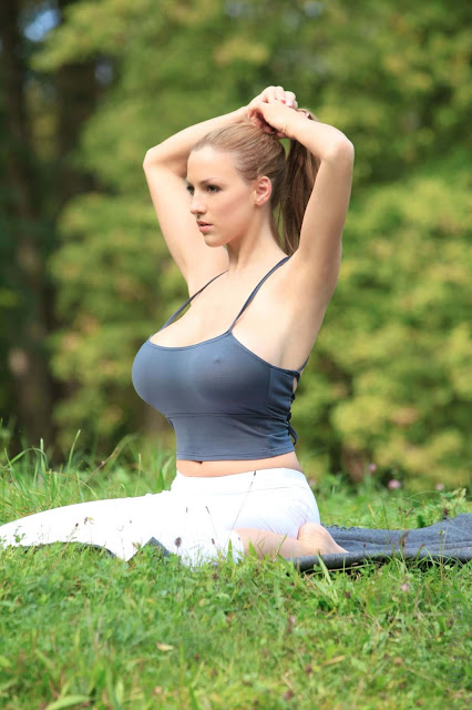 Jordan-Carver-Yoga-Hot-Sexy-HD-Photoshoot-Image-16