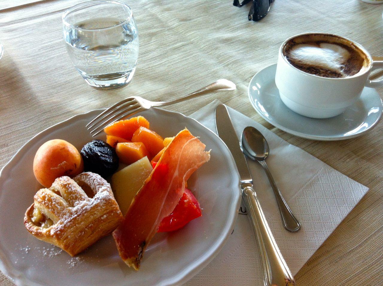 La vie intérieure: Breakfast in Italy