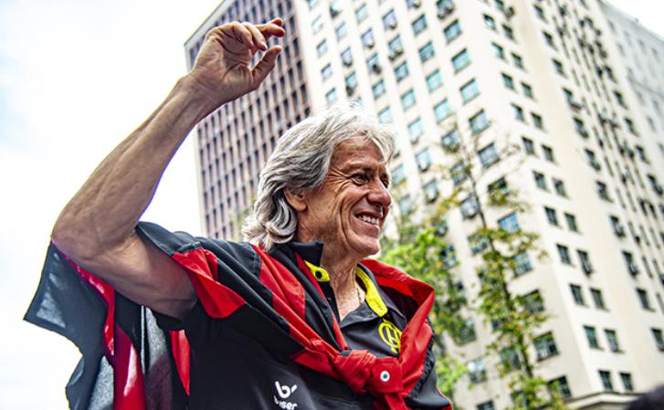Jorge Jesus faz doação de salário mínimo para funcionários do Flamengo