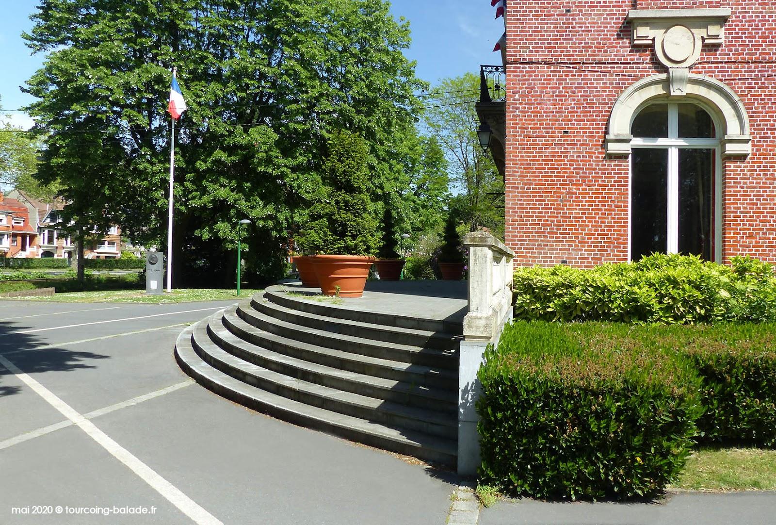 Perron de la Mairie de Mouvaux, 2020