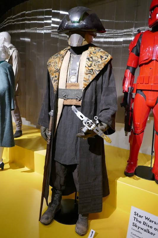 Billy Dee Williams Star Wars Rise of Skywalker Lando Calrissian Pasaana costume