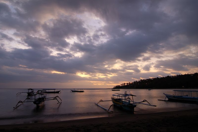 senggigi beach west nusa tenggara