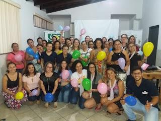 MULHERES PARTICIPAM DE PALESTRA SOBRE SAÚDE E BEM ESTAR