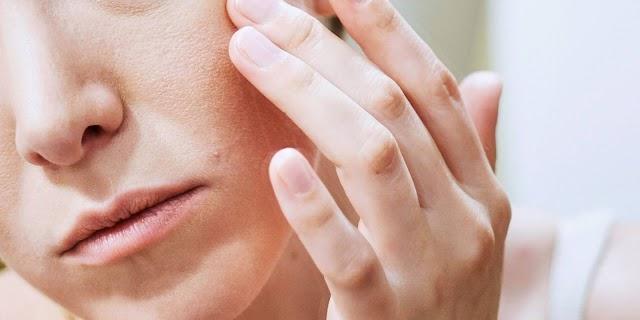 7 arcfiatalító gyakorlat amiknek feszesítő, emelő és fiatalító hatásuk lehet