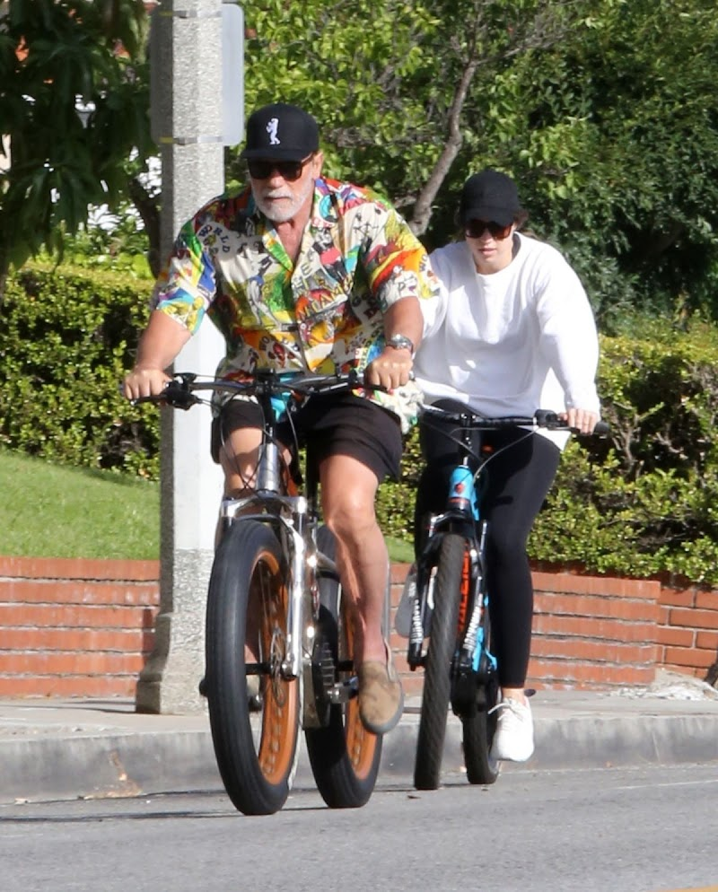 Christina and Arnold Schwarzenegger Out Riding Bikes in Brentwood 15 Jun -2020
