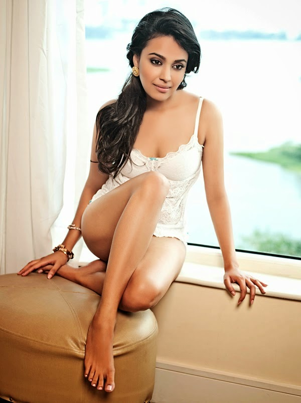 Swara_Bhaskar-sexy-hot-Maxim-magazine-photos