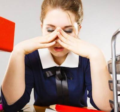 20 عادات عمل سيئة تحتاج إلى التخلص منها من حياتك