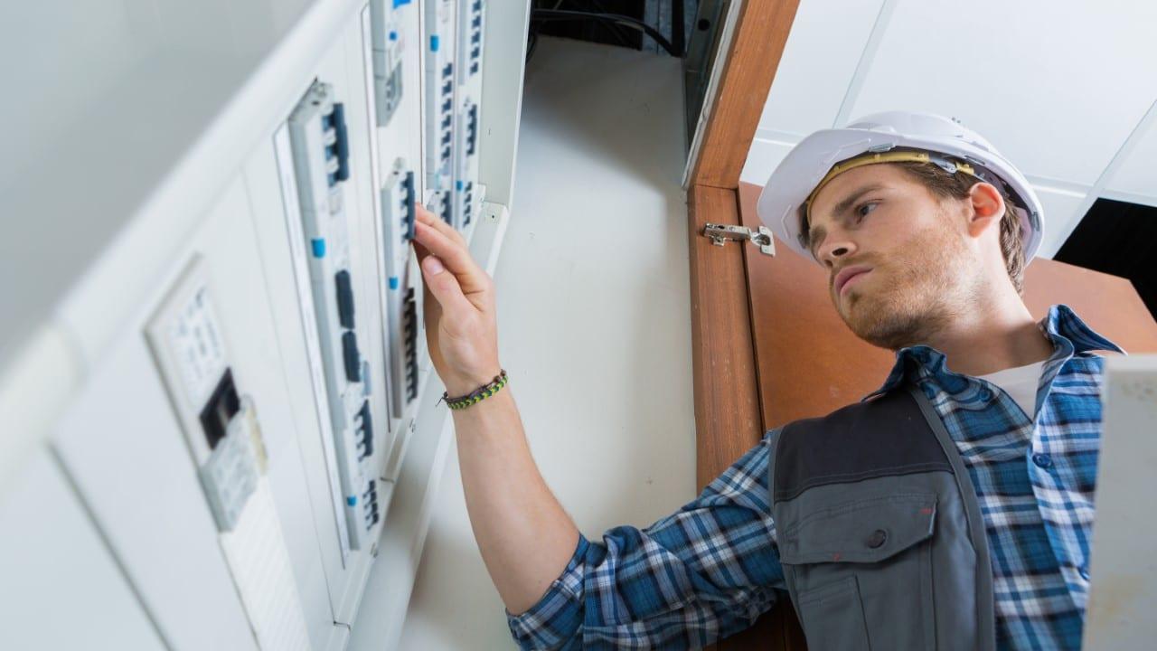 licensed electrical installer