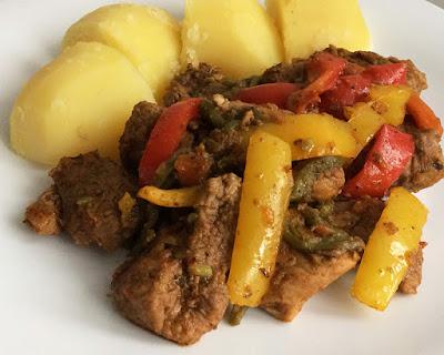 Karkówka z warzywami na obiad