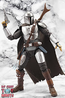 S.H. Figuarts The Mandalorian (Beskar Armor) 28