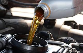 أنواع الزيوت المستخدمة في محركات السيارات ومواصفاتها