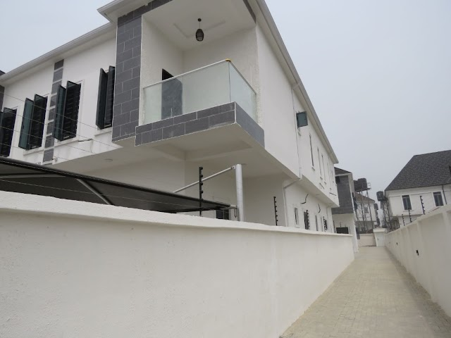 Sharp 4 Bedroom detached Duplex at Chevron
