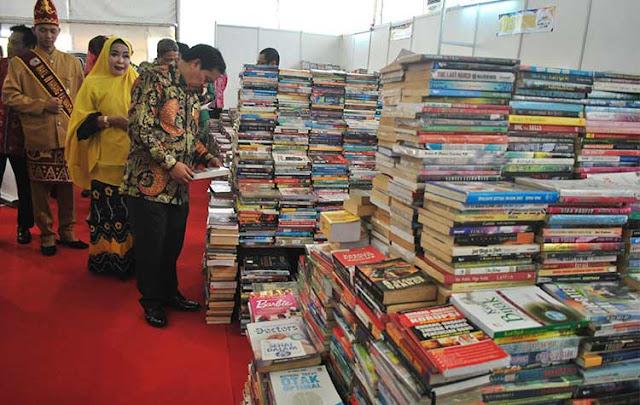 Kalsel Book Fair 2018, Sabtu (31/3) kemarin resmi dibuka oleh Gubernur Kalsel Sahbirin Noor.