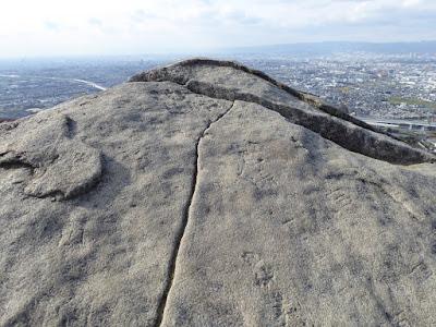 交野山 観音岩