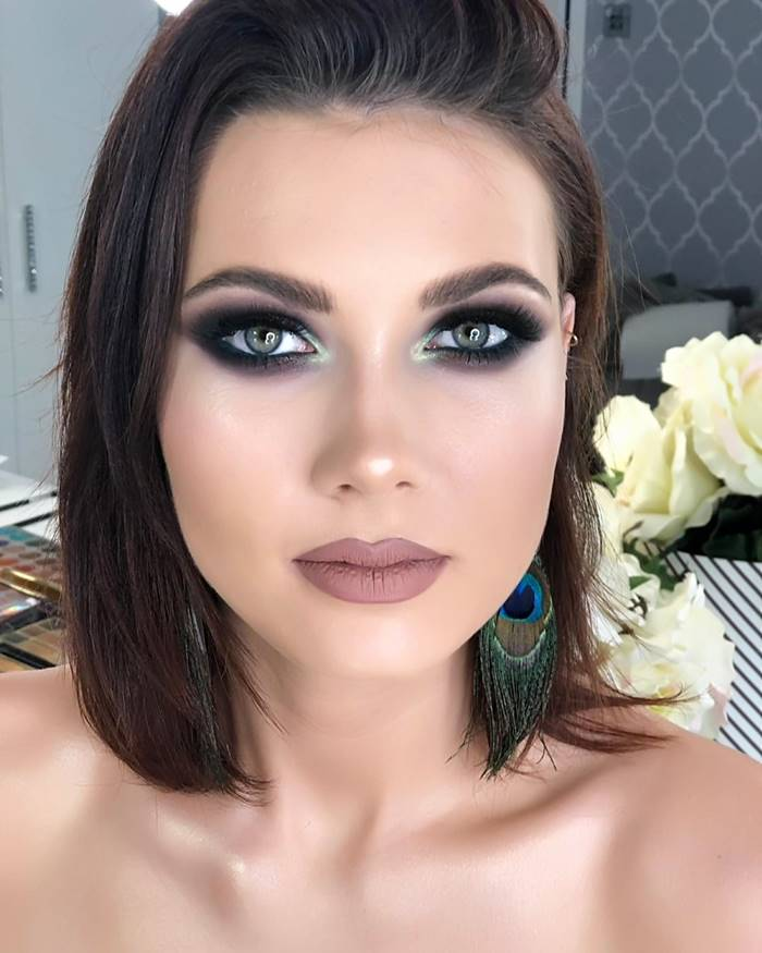 Maquiagem sombra black