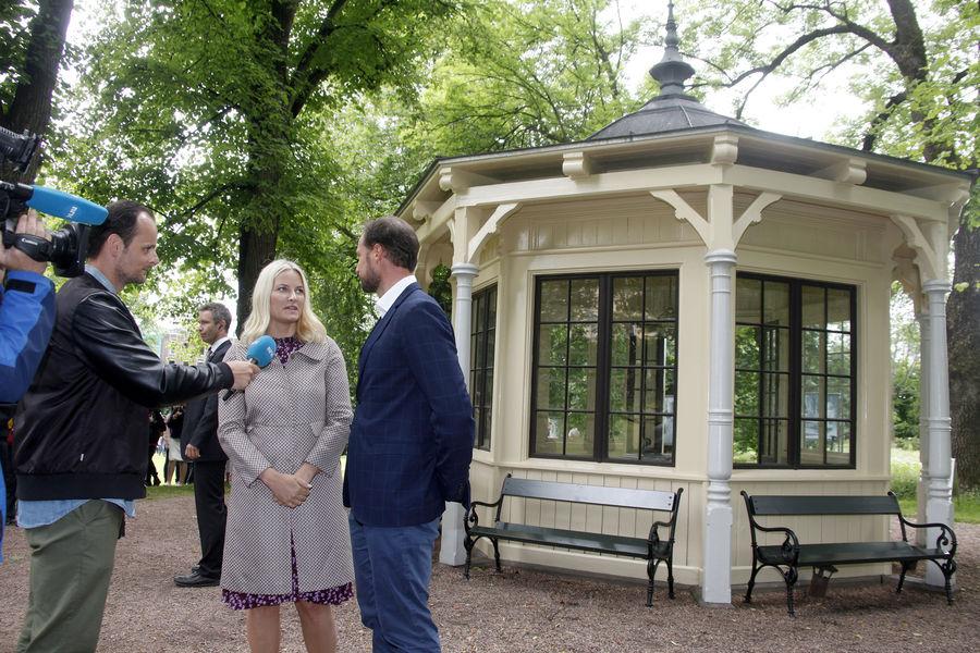 La-princesse-Mette-Marit-et-le-prince-Haakon-de-Norvege-a-Oslo-le-20-juin-2016-8.jpg