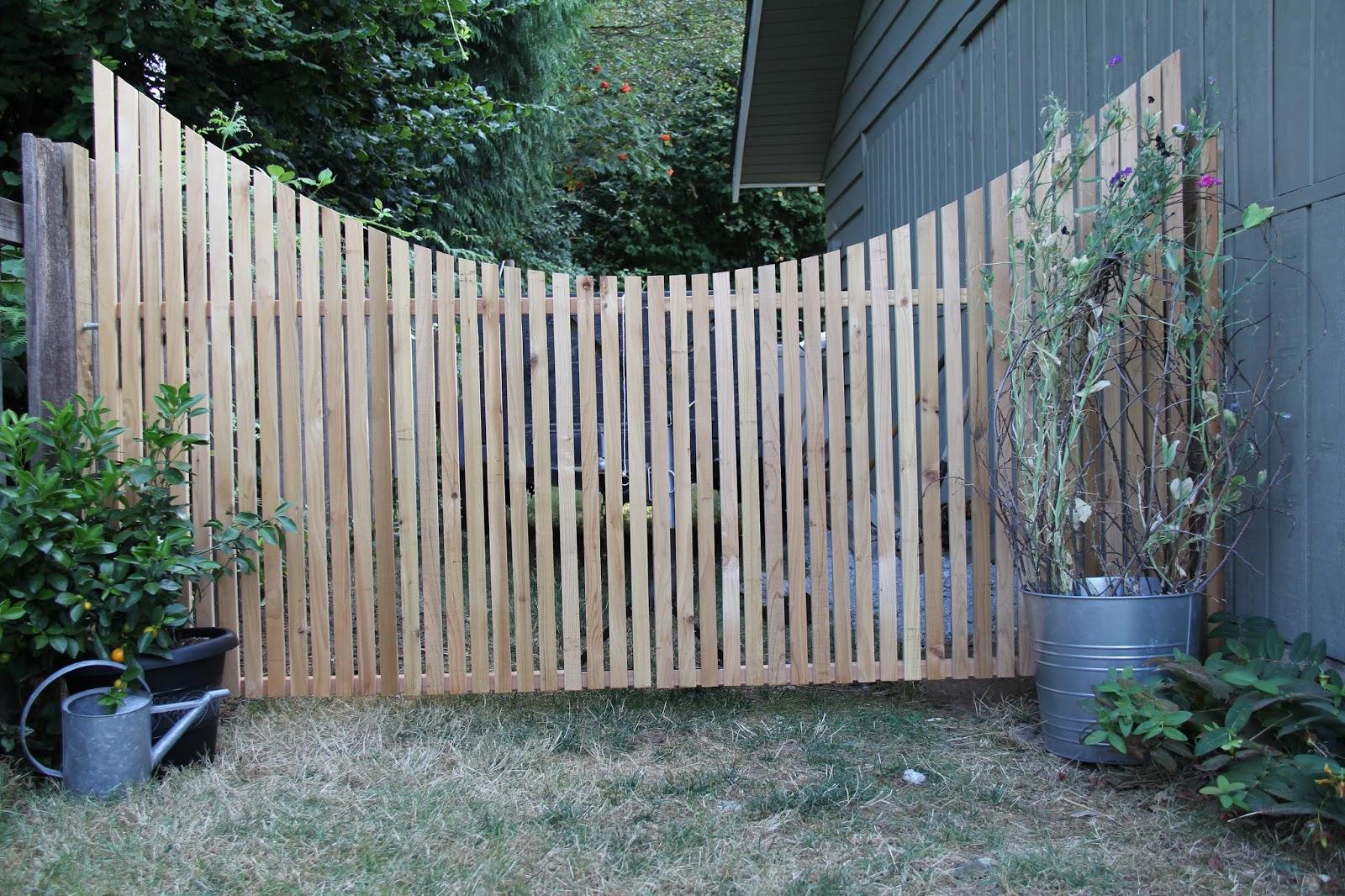 dirt digging sisters: Garden Gate DIY project