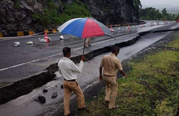 National Highway-4 between Pune-Bengaluru harmed because of landslide
