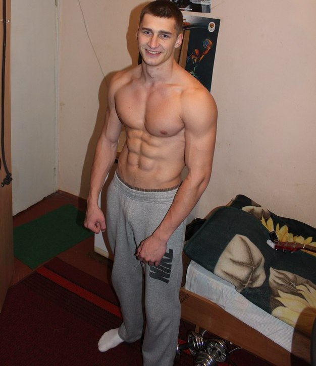 fit-shirtless-young-russian-guys-smiling