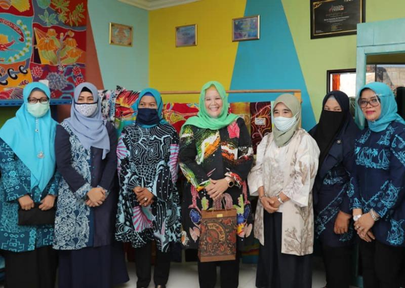 Resmikan Workshop Batik, Marlin Ajak Masyarakat Kembangkan Industri Kreatif