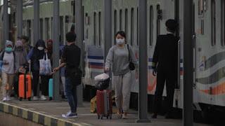 Virus corona: Pemerintah ingin harga tiket angkutan umum dinaikkan dan sepeda motor tidak bawa penumpang saat mudik lebaran di tengah wabah Covid-19
