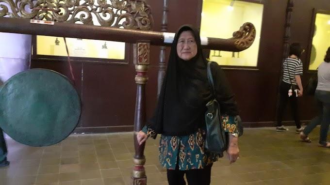 Menyenangkan Ibu : Dari Solo Hingga Kuliner di Surabaya