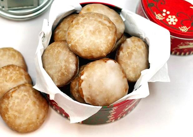 Быстрые и вкусные пряники на кефире, рецепт- выручалочка: мягкие, бюджетные прянички