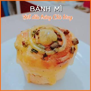cach-lam-banh-mi-sot-dau-trung-cha-bong-an-sang-bep-banh