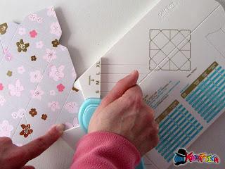 punzonatore per creare chiusura scatolina porta confetti