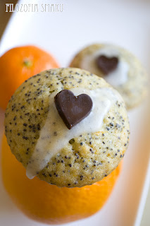 (Muffiny pomarańczowo-grapefruitowe z makiem