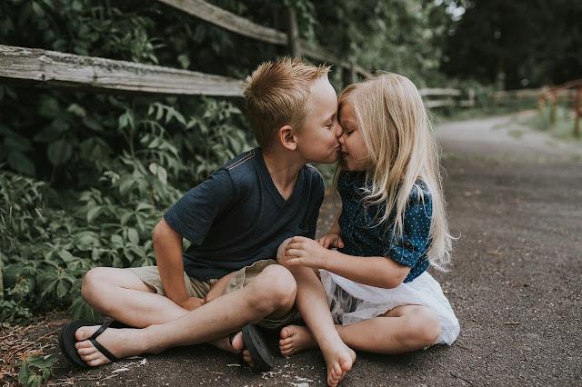 Boy kiss girl image