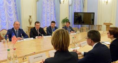 Волкер провел в Киеве переговоры с Порошенко и депутатами