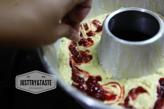 Resep Strawberry Cream Cheese Pound Cake