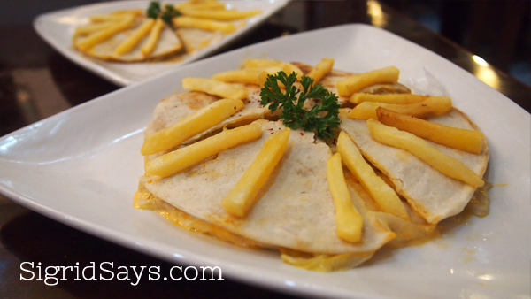 chicken and beef arayes