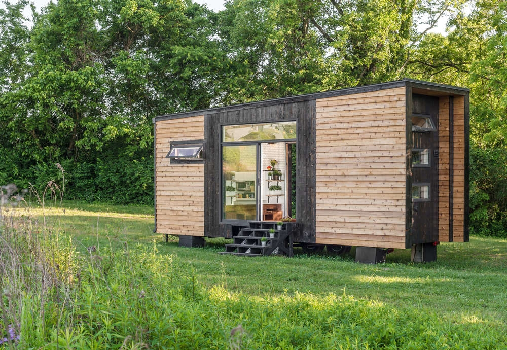 14-New-Frontier-Tiny-Homes-Architecture-with-Tiny-Houses-on-Wheels-www-designstack-co
