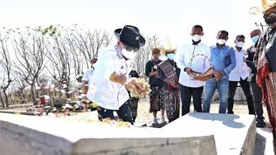 Tiba di Rote Ndao, Ketua DPD RI Ziarah ke Makam Raja-Raja Termanu