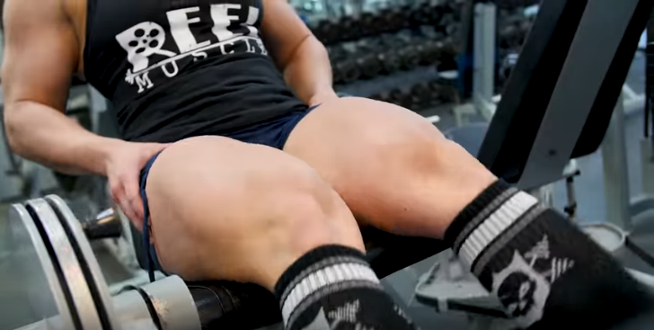 Clip Biggest thighs on a female bodybuilder we have ever seen