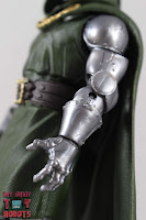 Marvel Legends Doctor Doom 10